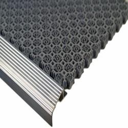 Алюминиевое обрамление на ступени
