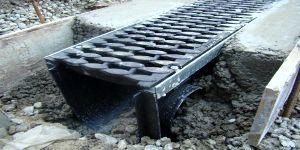 Водоотводные каналы пластиковые в работе